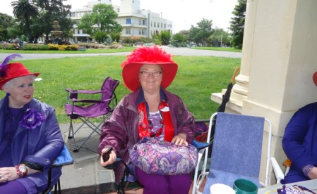 Red-Hat-picnic12-650x400